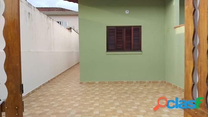 Casa nova geminada em uma ótima localização em itanhaém...