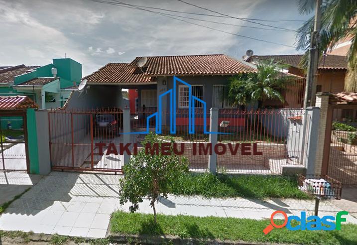 Excelente de casa de 3 dorm.,c/ 2 vagas de garagem no bairro porto verde