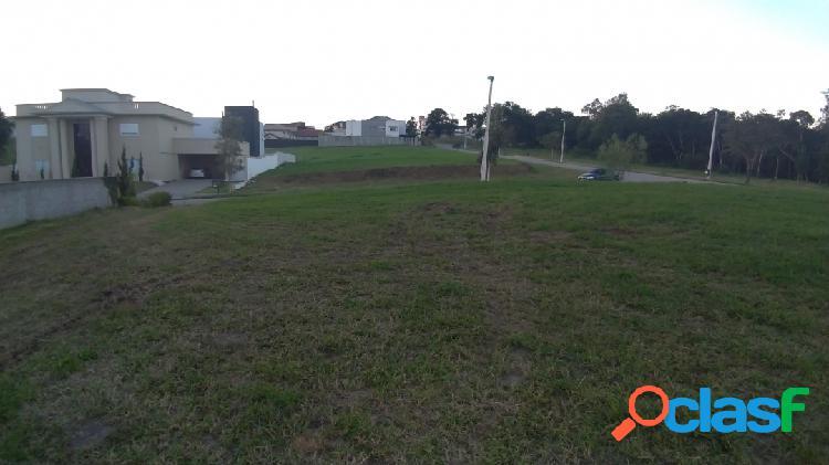 Urbanova lindo terreno plano em condomínio 700 m²