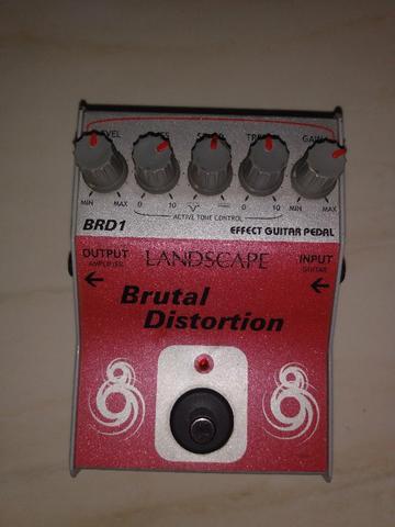 Pedal brutal distortion (landcape)