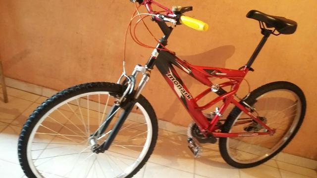Bike c amortecedor e mola central 21v aro 26 (entrego)