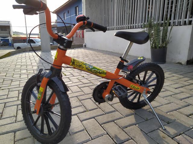 Bicicleta infantil aro 16 caloi (leio o anúncio)