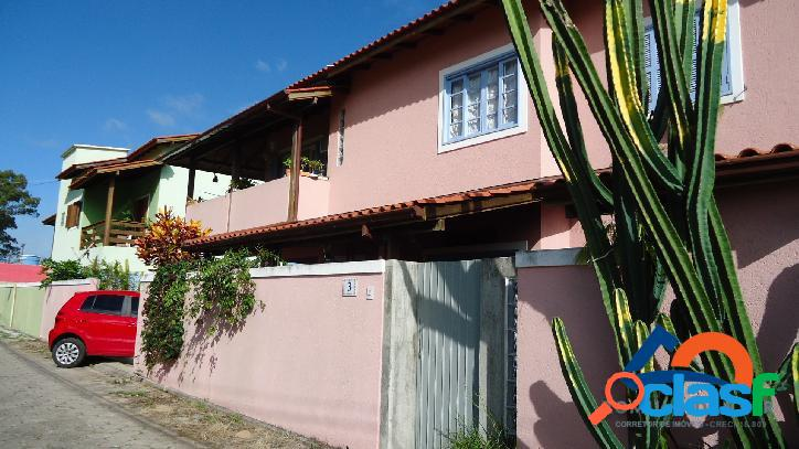 Linda casa a venda em excelente localização! venha conferir! florianópolis rio vermelho norte da ilha praia do moçambique.