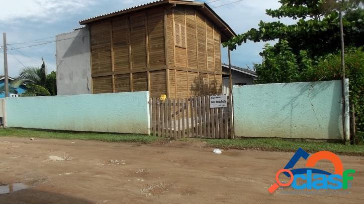 Casa a venda com 03 dormitórios. ótima localização florianópolis norte da ilha linda praia dos ingleses