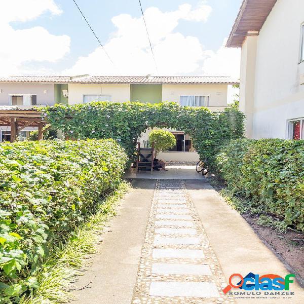 Casa a venda sobrado com dois quartos, escritura pública. rua asfaltada florianópolis rio vermelho norte da ilha linda praia do moçambique.