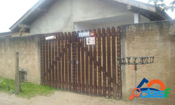 Casa a venda com 02 dormitórios. região central do bairro florianópolis rio vermelho norte da ilha praia do moçambique.