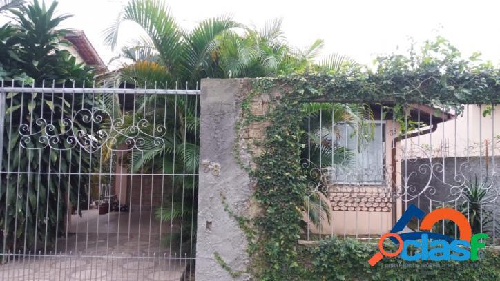 Casa a venda c/ 03 dorm (1 suíte). terreno todo murado ótima localização florianópolis norte da ilha rio vermelho linda praia do moçambique