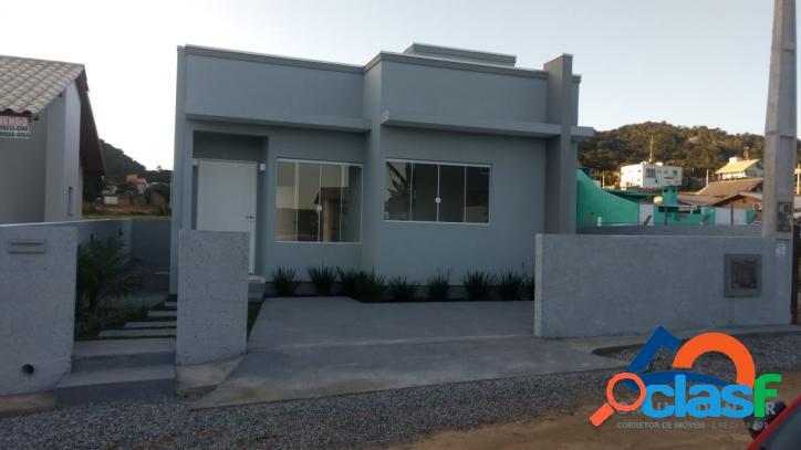 Casa nova a venda c/ 02 dorm (1 suíte). ótima localização florianópolis norte da ilha rio vermelho linda praia do moçambique