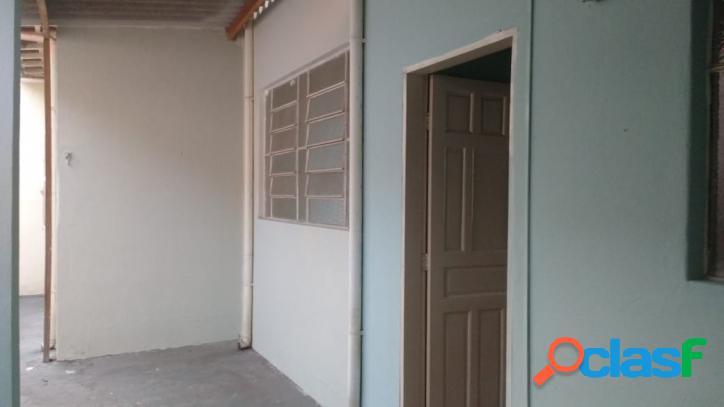 Casa antiga a venda em vila maria com 02 dormitórios.