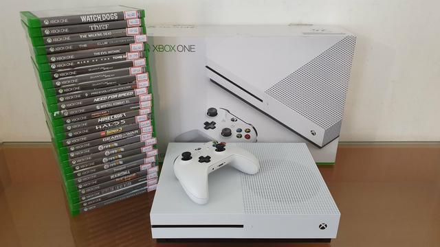 Xbox one s com garantia - aceitamos playstation 3 mais volta