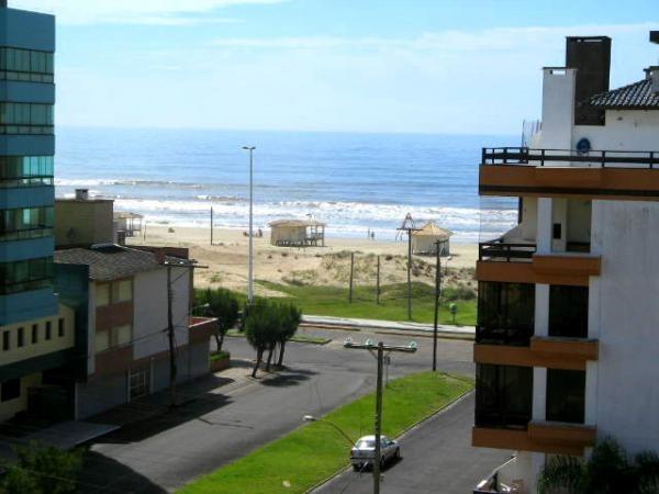Aluguel de verão, 70 metros da praia, 03 dormitórios