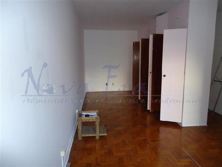 Apartamento com 1 quarto para alugar, 30 m² por r$