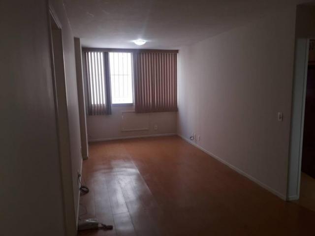 Apartamento com 1 dormitório para alugar, 70 m² por r$