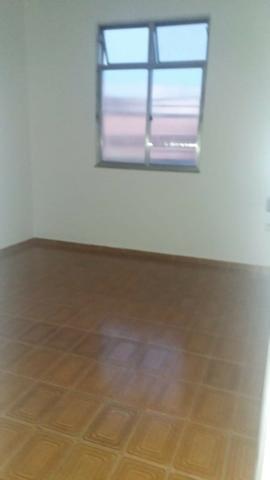 Apartamento em brás de pina - 2 quartos