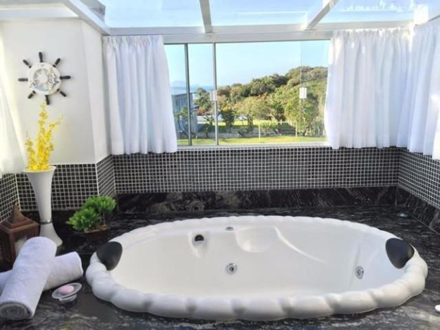 Casa 3 quartos, aluguel temporada a 300 metros do mar!