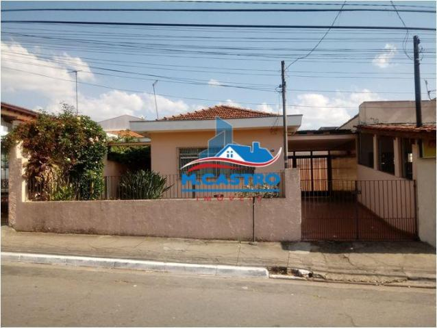 Casa térrea ampla - 02 dormitórios + edícula ? 100 mts