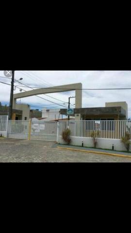 Casa em condomínio fechado na saída de aracaju