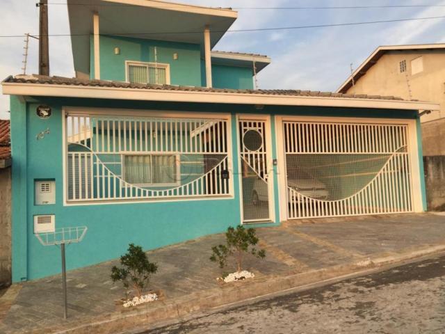 Casa para alugar com 3 dormitórios em terras de santa