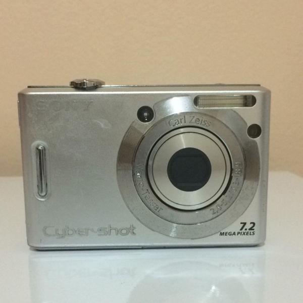 Câmera sony 7.2 megapixels