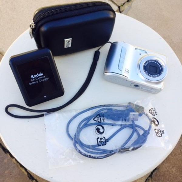 Câmera digital kodak easyshare c143
