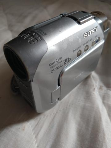 Filmadora sony handycam filma e fotografa