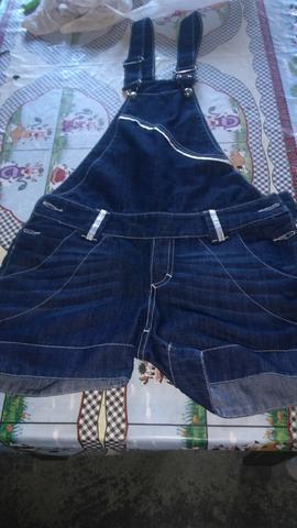 Macacão jeans por 20 reais
