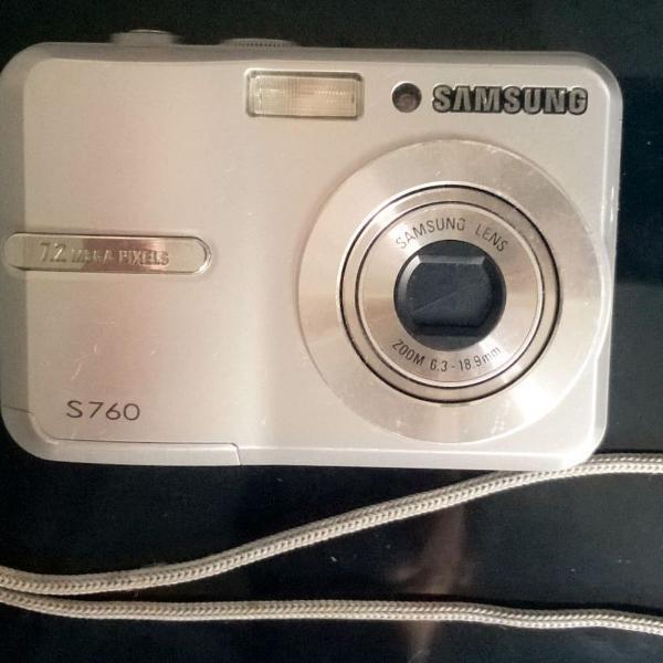 """Máquina fotográfica samsung - 7.2 pixels com """"case""""de"""