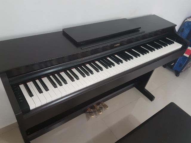 Piano digital yamaha arius ydp-163 com banqueta