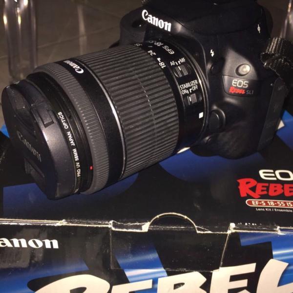 Câmera canon sl1