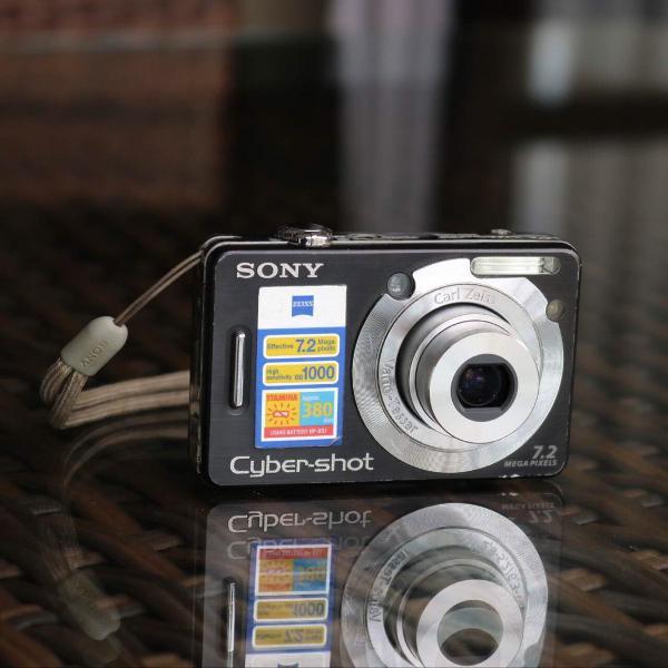 Câmera cybershot sony 7.2 megapixels