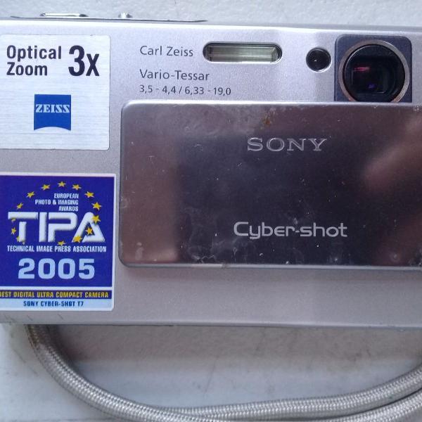 Câmera digital antiga anos 2000