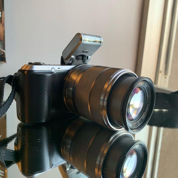 Câmera digital sony nex c3 com lente intercambiável