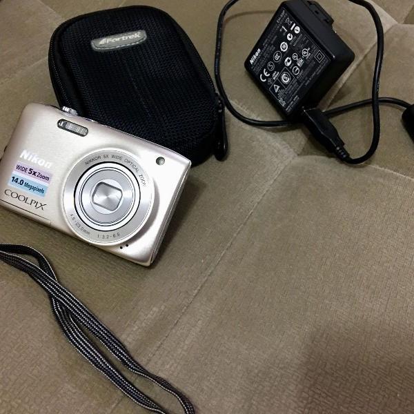Câmera fotográfica nikon coolpix, 14 megapixels, wide 5x