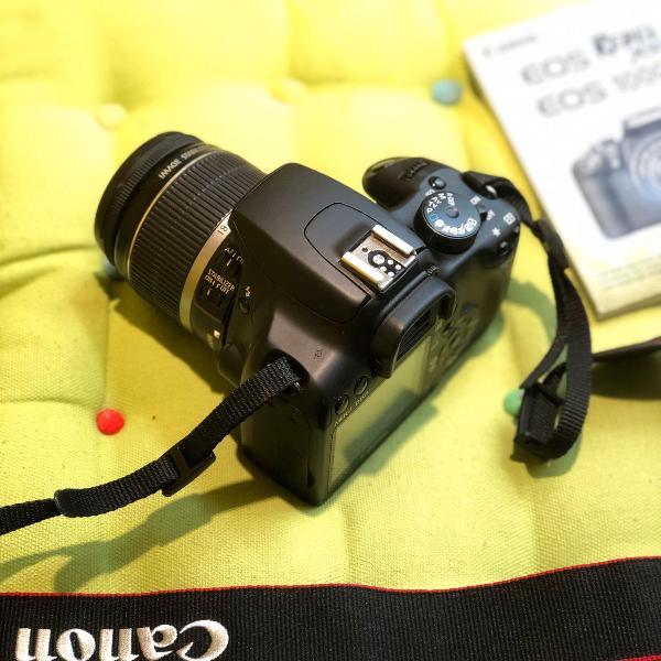 Câmera perfeita semi nova