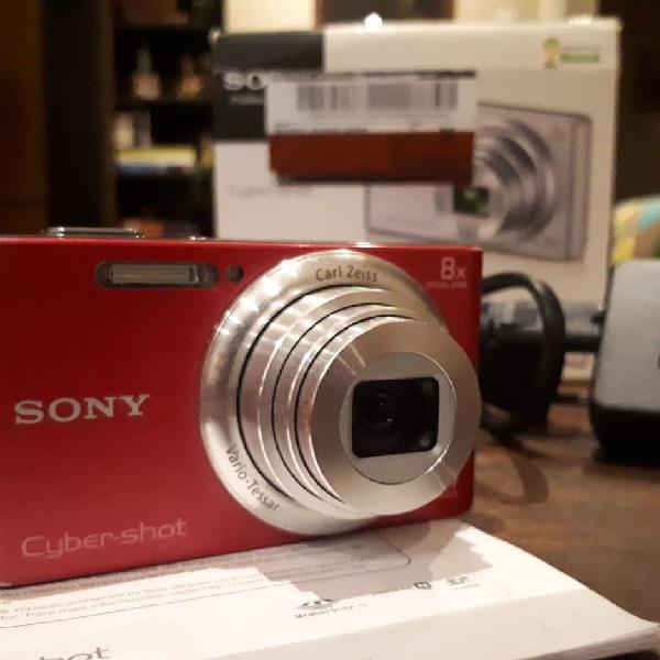 Máquina fotográfica sony rosa