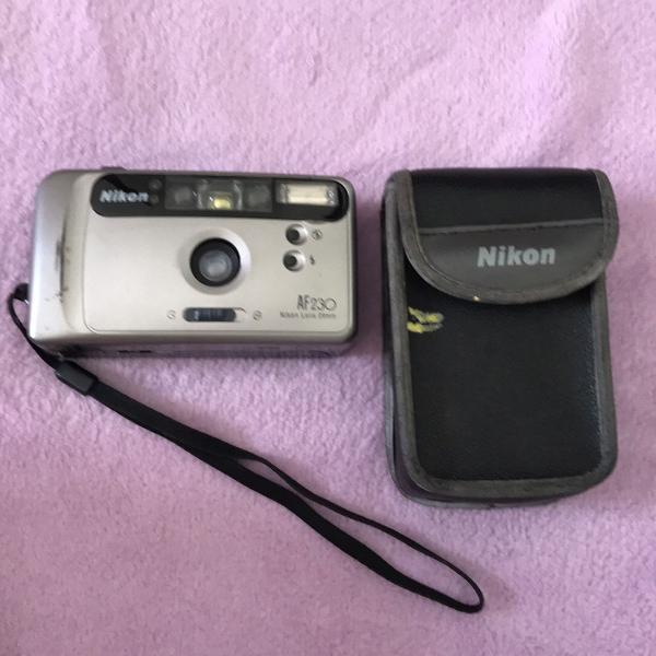 Máquina fotográfica vintage nikon