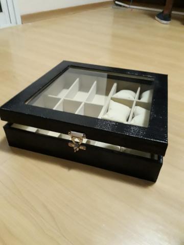 Caixa organizadora de óculos e relógios