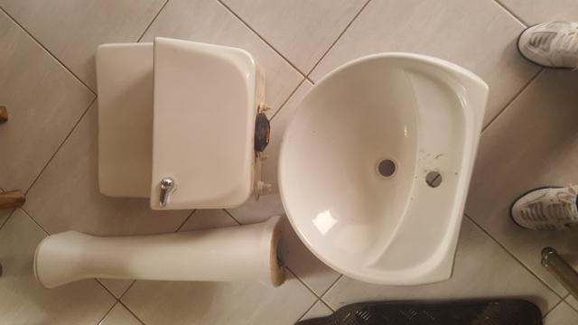 Conjunto de louça para banheiro
