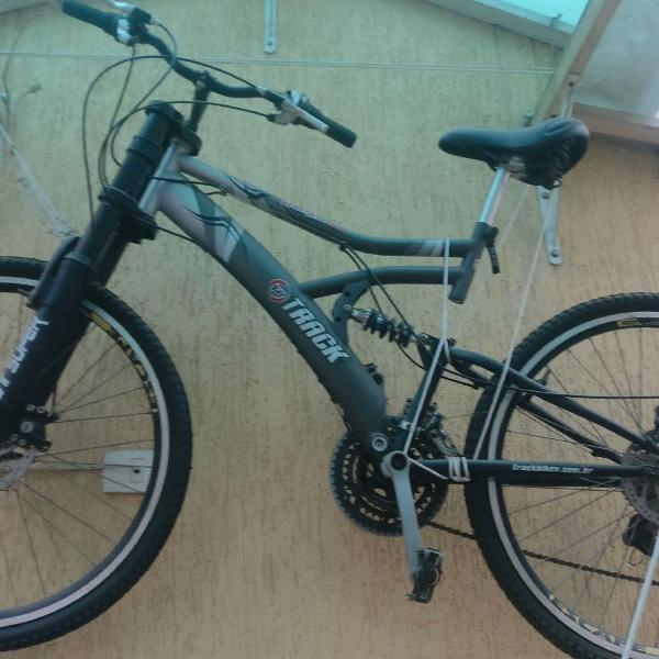 Bicicleta full-suspension