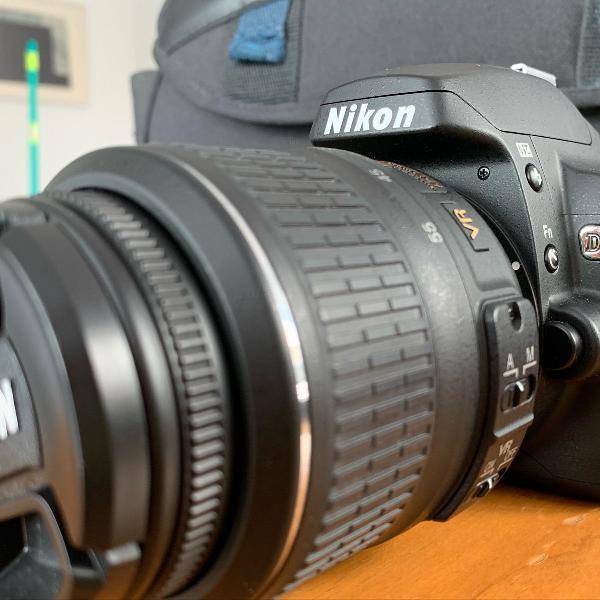 Máquina fotográfica nikon d60