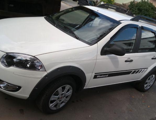Fiat palio weekend trekking 1.6 flex 16v 5p gasolina/álcool