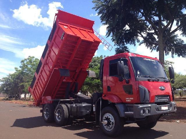 Ford cargo caçamba 2623 e 6x4 turbo 2p diesel 2015
