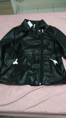 Jaqueta em couro sintético nova