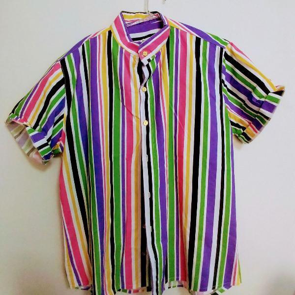 Camisa manga curta listras coloridas
