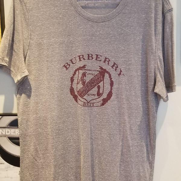 Camiseta cinza gola redonda burberry