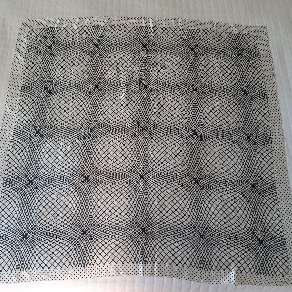 Echarpe lenço preto branco geométrico poas bolinhas