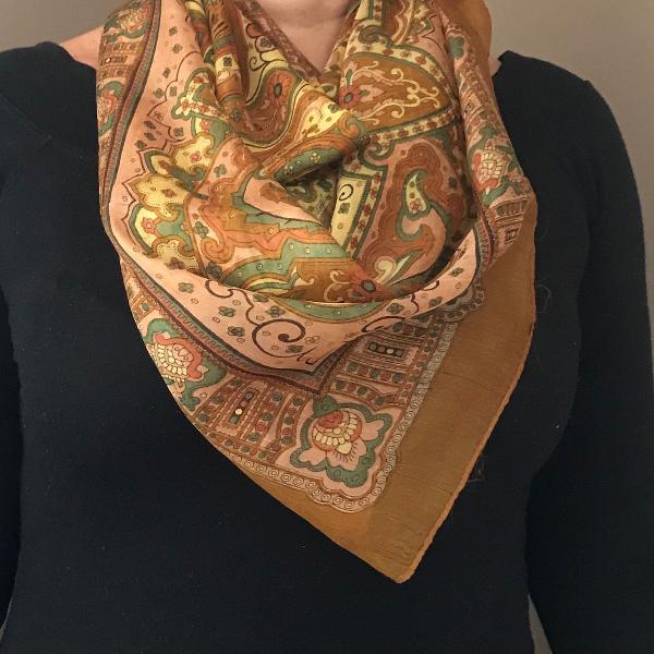 Lenço em seda indiano