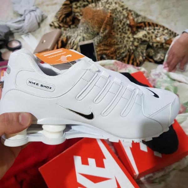 Nike shox couro nz