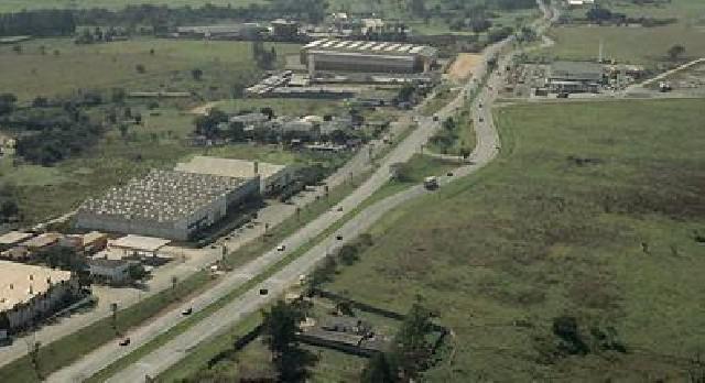Rea industrial com 70 mil m² sumaré na rodovia