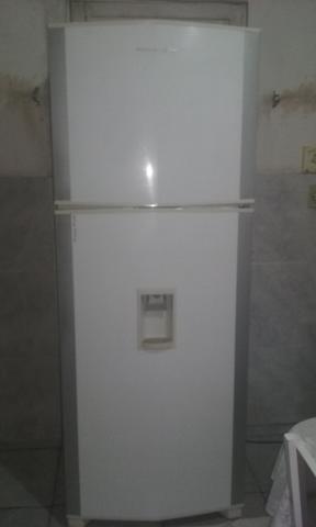Geladeira frost free brastemp com água na porta voltagem